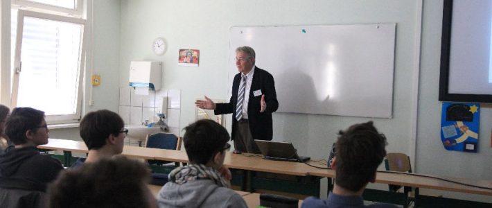 Tag der Naturwissenschaften-Sek.2 – Vortrag Herr Zuse