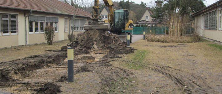 Beginn der Bauarbeiten am Hof AB