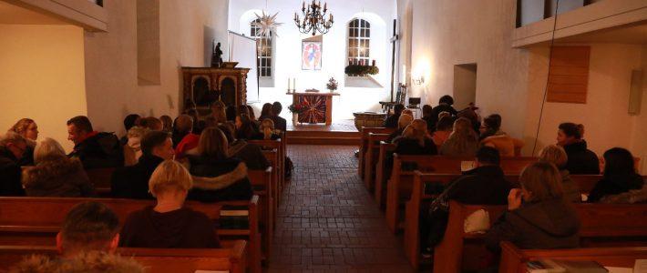 Erstes Weihnachtskonzert in der Kirche am Dienstag
