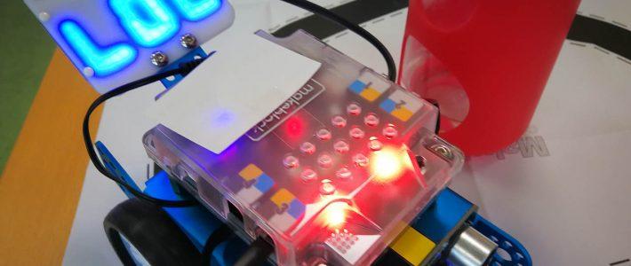 Roboter-AG kann Geräte zusammenbauen und ausprobieren.
